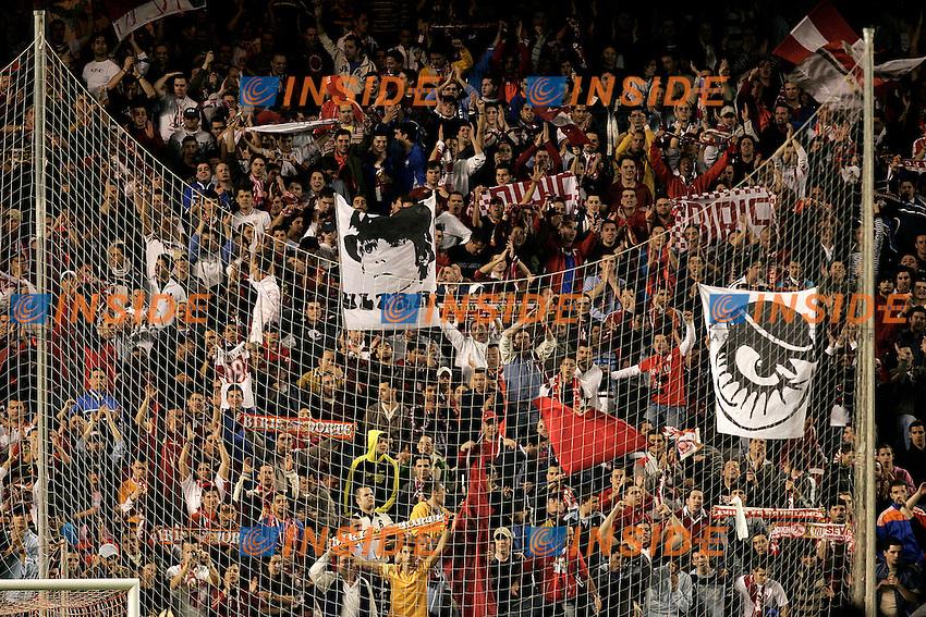 Sevilla's supporters during the Spanish League match between Sevilla  and FC Barcelona at Ramon Sanchez Pizjuan Stadium in Sevilla, Saturday March 03 2007. (INSIDE/ALTERPHOTOS/B.Echavarri). Siviglia Barcellona