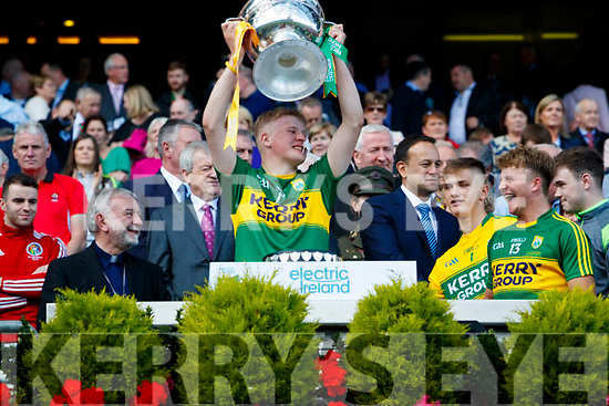 Donchadh O'Sullivan Kerry Minors celebrate with the Tom Markham Cup after defeating Derry in the All-Ireland Minor Footballl Final in Croke Park on Sunday.