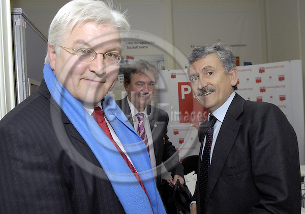 Brussels-Belgium - 08 March 2007---Meeting of PES (Party of the European Socialists) Prime Ministers, Deputy Prime Ministers and Finance or Foreign Affairs Ministers, at the FES-EU Office, prior to the European Union's Spring Summit; here, from left to right: Frank-Walter STEINMEIER, Minister for Foreign Affairs of Germany; Jean ASSELBORN, Deputy Prime Minister and Minister for Foreign Affairs of Luxembourg; Massimo D'ALEMA, Deputy Prime Minister and Minister for Foreign Affairs of Italy---Photo: Horst Wagner/eup-images