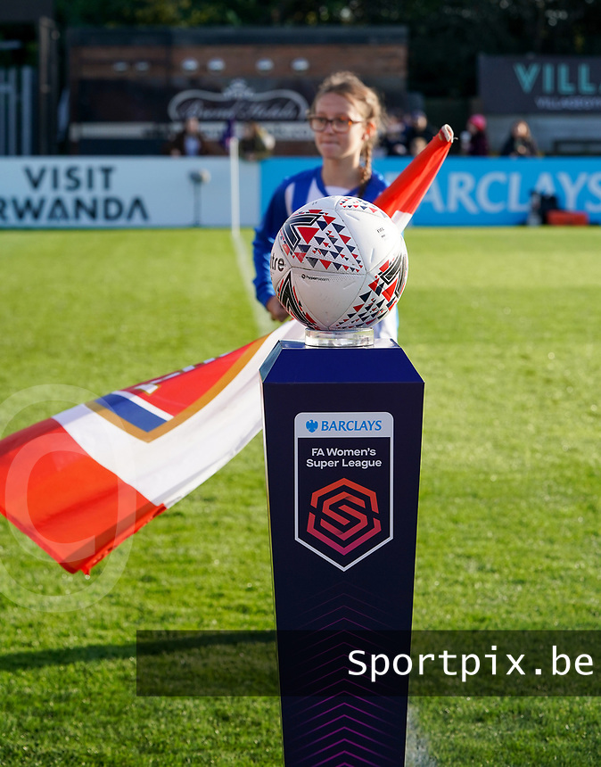 20191027 - Boreham Wood: Match ball is  pictured before the Barclays FA Women's Super League match between Arsenal Women and Manchester City Women on October 27, 2019 at Boreham Wood FC, England. PHOTO:  SPORTPIX.BE | SEVIL OKTEM