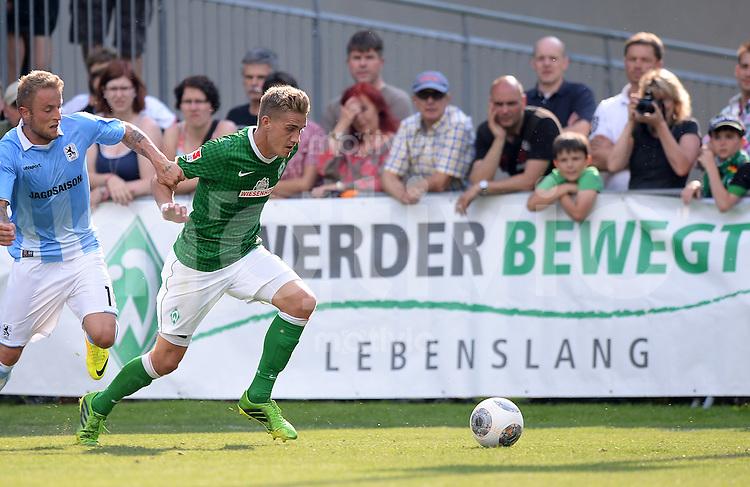 FUSSBALL  1. Bundesliga   2013/2014   Testspiel in Zell am Ziller SV Werder Bremen - 1860 Muenchen      10.07.2013 Nils Petersen (re, SV Werder Bremen) gegen Daniel Adlung (li, 1860 Muenchen)