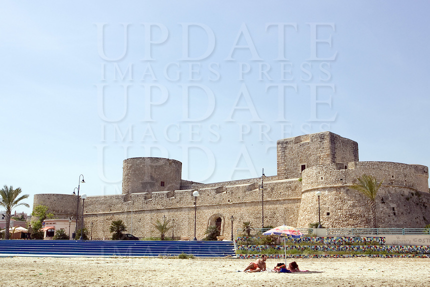 Veduta del Castello di Manfredonia dalla spiaggia.<br /> View of the Castle of Manfredonia from the beach.<br /> UPDATE IMAGES PRESS/Riccardo De Luca