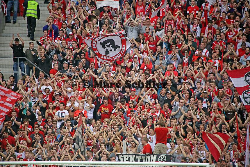 Mainzer Fans feiern - 1. FSV Mainz 05 vs. Eintracht Braunschweig, Coface Arena, 10. Spieltag
