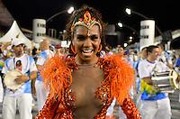 SÃO PAULO, SP, 03 DE FEVEREIRO DE 2013 - ENSAIO TÉCNICO IMPÉRIO DE CASA VERDE - Rainha da Bateria Valeska Reis durante ensaio técnico da Escola de Samba Império de Casa Verde na preparação para o Carnaval 2013. O ensaio foi realizado na noite deste domingo (03) no Sambódromo do Anhembi, zona norte da cidade. FOTO LEVI BIANCO - BRAZIL PHOTO PRESS