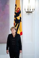 Berlin, Bundeskanzlerin Angela Merkel (CDU) und Bundespr&auml;sident Joachim Gauck am Dienstag (17.12.13) im Schloss Bellevue bei der &Uuml;bergabe der Ernennungsurkunde.<br /> Foto: Steffi Loos/CommonLens