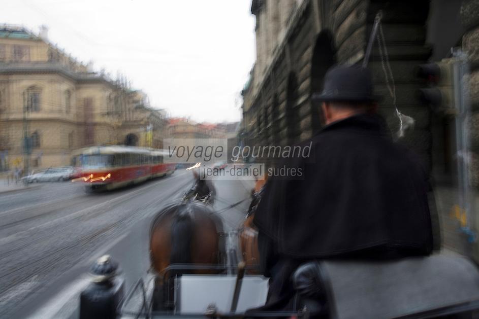 Europe/République Tchèque/Prague:Excursion  en Fiacre   dans la vieille ville   [Non destiné à un usage publicitaire - Not intended for an advertising use]