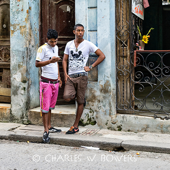 Faces Of Cuba - Wow she wants to go out with me!<br />