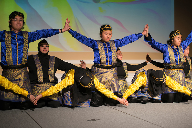 Members of PERMIAS (Indonesian Student Association) practiced for months before the International Women's Festival in order to master the intricate and precise style of their dance. The unison of their movements was accompanied by live performed song.