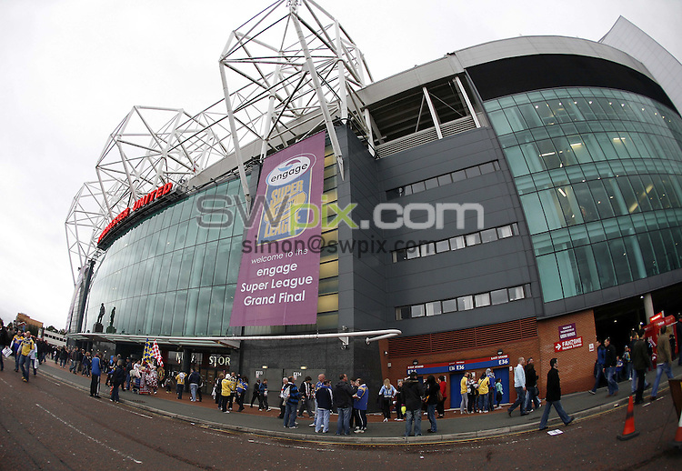 PICTURE BY BEN DUFFY/SWPIX.COM - Rugby League - Super League Grand Final - St. Helens Saints v Leeds Rhinos - Old Trafford, Manchester, England - 04/10/08...Copyright - Simon Wilkinson - 07811267706...Old Trafford.