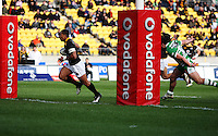 David Smith crosses for Wellington's first try. Air NZ Cup - Wellington Lions v Manawatu Turbos at Westpac Stadium, Wellington, New Zealand. Saturday 3 October 2009. Photo: Dave Lintott / lintottphoto.co.nz