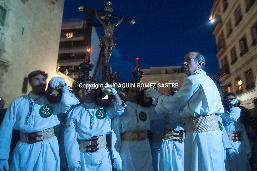 The Brotherhood of the Holy Cross is preparing to make its way in the sea procession of Christ