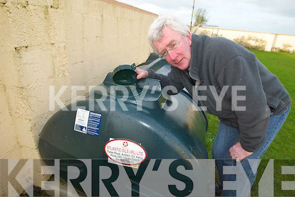 THIEVES: Principal Ger Doyle of Killahan National School in Abbeydorney was shocked after thieves  stole EUR2,000 worth of oil from the school on Thursday night.   Copyright Kerry's Eye 2008