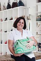 Uberlandia_MG, Brasil...Comercio calcadista de Uberlandia, Minas Gerais. Na foto a empresaria que comercializa bolsas e sapatos com a sua marca...The footwear commerce in Uberlandia, Minas Gerais. In this photo a businesswoman, She has a stores of purses and shoes...Foto: BRUNO MAGALHAES / NITRO