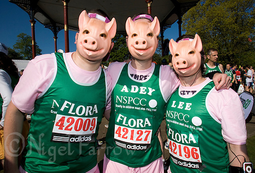 26 APR 2009 - LONDON,GBR - Marcus Haddrell, Adrian Cross and Lee Brown - London Marathon. (PHOTO (C) NIGEL FARROW)