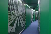 SÃO PAULO, SP, 26.08.2014 – BANQUETE 100 ANOS PALMEIRAS - Tunel do Tempo e troféus dos campeonatos conquistados são expostos durante banquete para comemorar os 100 anos da Sociedade Esportiva Palmeiras, realizado na noite desta terça feira (26) no Citibank Hall em São Paulo. (Foto: Levi Bianco / Brazil Photo Press).