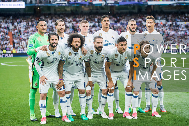 Players of Real Madrid line up and pose for photos prior to the 2016-17 UEFA Champions League Semifinals 1st leg match between Real Madrid and Atletico de Madrid at the Estadio Santiago Bernabeu on 02 May 2017 in Madrid, Spain. Photo by Diego Gonzalez Souto / Power Sport Images