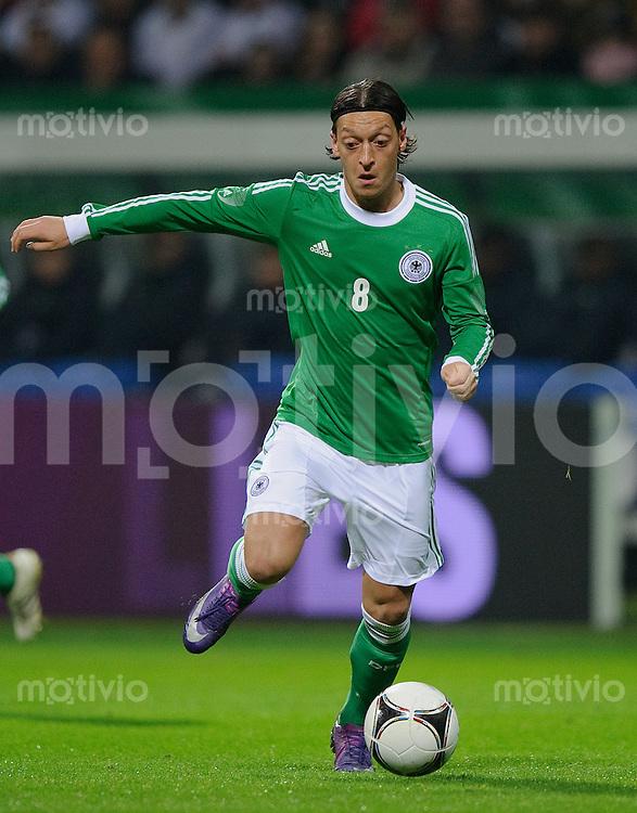Fussball international Saison 2011/2012 Freundschaftsspiel Deutschland - Frankreich Mesut OEZIL (GER).