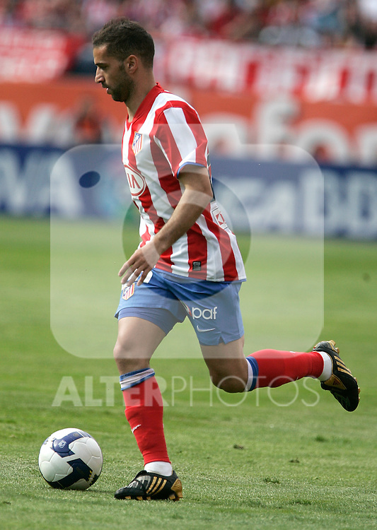 Atletico de Madrid's Simao Sabrossa during La Liga match, April 05, 2009. (ALTERPHOTOS/Alvaro Hernandez).
