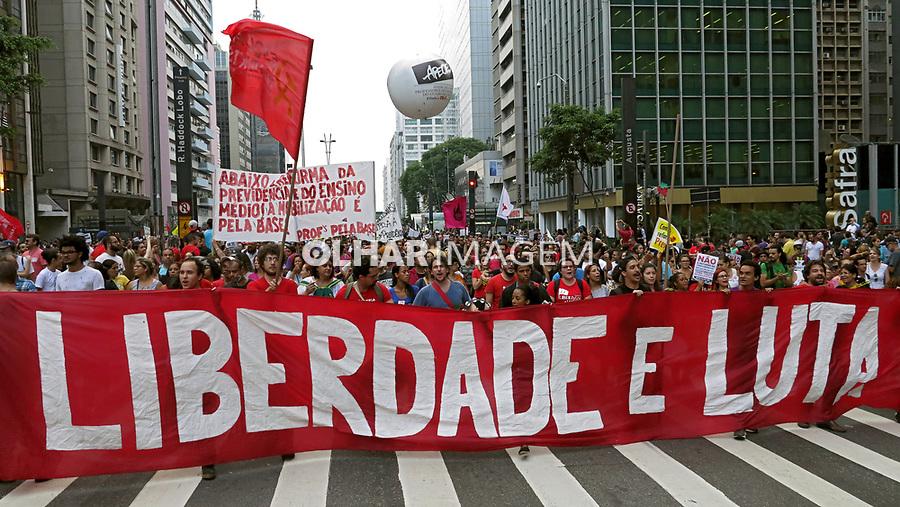 Ato contra a reforma da previdencia e outras reformas. Av. Paulista. Sao Paulo. 2017. Foto de Marcia Minillo.