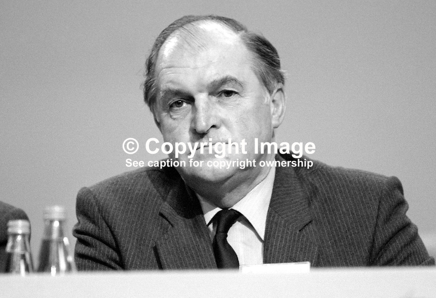 Sir Henry Plumb, MEP, Conservative Party, UK, platform, annual conference, Brighton. 19840172HP1.<br />