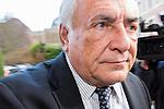 Dominique Strauss-Kahn rentre &agrave; l'h&ocirc;tel apr&egrave;s sa journ&eacute;e u tribunal, dans le cadre du proc&egrave;s de prox&eacute;n&eacute;tisme aggrav&eacute; dit de &quot;l'affaire du Carlton&quot;. Le 17 f&eacute;vrier 2015 <br /> Dominique Strauss-Kahn returned to the hotel after a day u court in the trial of aggravated pimping called &quot;the business of Carlton.&quot; On February 17, 2015