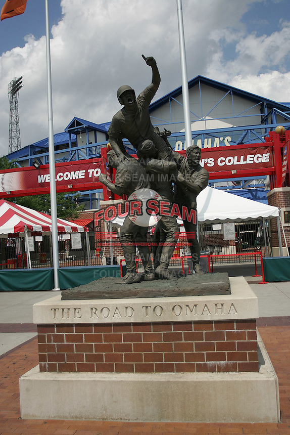 NCAA Baseball, Rosenblatt Stadium, College World Series, The Road to Omaha Statue. Photo by Andrew Woolley / Four Seam Images.