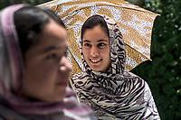 AFGHANISTAN, 06.2008, Kabul. Studentinnen der staatlichen Universitaet waehrend einer Pause auf dem Campus.   Students from the public University of Kabul during a break at the campus.<br /> © Marzena Hmielewicz/EST&OST