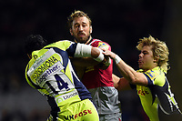 Chris Robshaw of Harlequins takes on the Sale Sharks defence. Aviva Premiership match, between Harlequins and Sale Sharks on October 6, 2017 at the Twickenham Stoop in London, England. Photo by: Patrick Khachfe / JMP