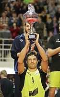 Manuel Coscione alza la coppa per il miglior alzatore del torneo (Roma)<br /> M. Roma Volley vs Noliko Maaseik 3-0<br /> Finale di Coppa Cev<br /> Roma, 24/03/2008<br /> photo Antonietta Baldassarre Insidefoto