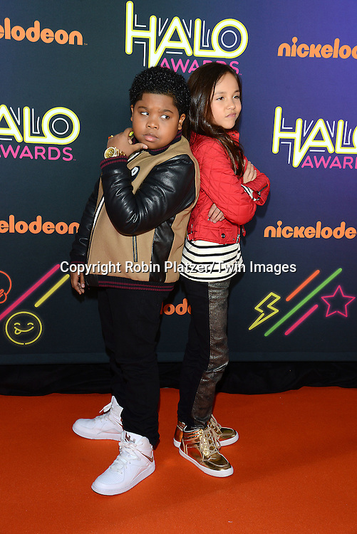 Nickelodeon halo awards robin platzertwin images benjamin flores jr and breanna yde of the haunted hathaways attends the 6th altavistaventures Gallery