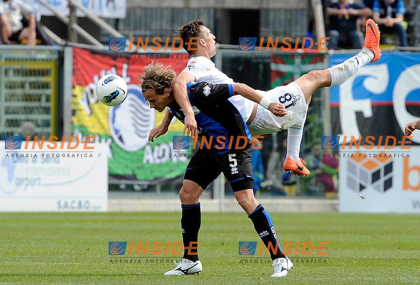 Libor Kozak (Lazio) Thomas Manfredini (Atalanta).Bergamo, 06/05/2012 .Football Calcio 2011/2012 .Atalanta vs Lazio 0-2.Campionato di calcio Serie A.Foto Insidefoto