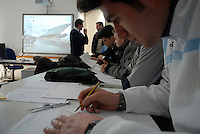 """Alunni durante una lezione all'Istituto Nautico """"Nino Bixio"""" dove ha studiato Schettino."""