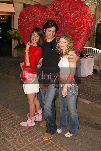 Vanessa Parise, Johnathon Schaech and Amanda Detmer