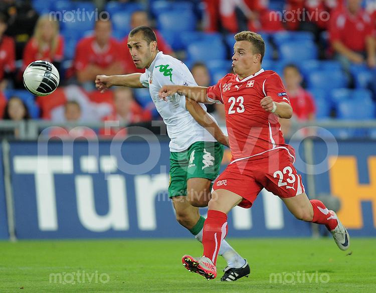 FUSSBALL INTERNATIONAL  EM 2012-Qualifikation  Gruppe G   06.09.2011 Schweiz - Bulgarien Xherdan SHAQIRI (re, Schweiz) gegen Petar ZANEV (li, Bulgarien)