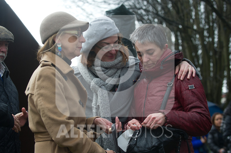 Tribute to the chief of police of Andoain Joseba Pagazartundua murdered by the terrorist group ETA eleven years. Maite Pagaza (r)tries to comfort to the widow Estibaliz Garmendia in presence of UPyD's Leader Rosa Diez. (Alterphotos/Mikel)