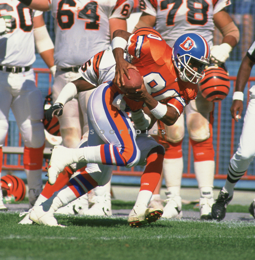 Denver Broncos Mark Jackson (80) during a game from his career with the Broncos. Mark Jackson played for 10 years with 3 different teams.<br /> (SportPics)