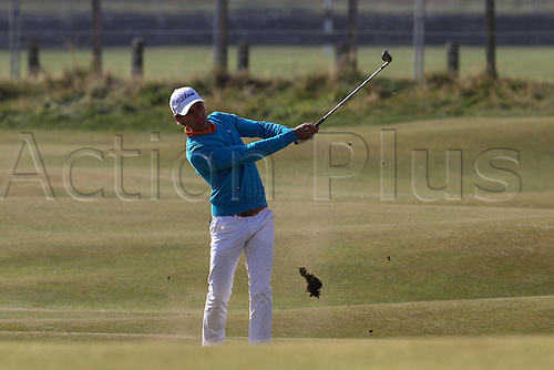 04.10.2015. St Andrews, Scotland. Alfred Dunhill Links Golf final round. Joakim Lagergrens pitches to the 3rd green