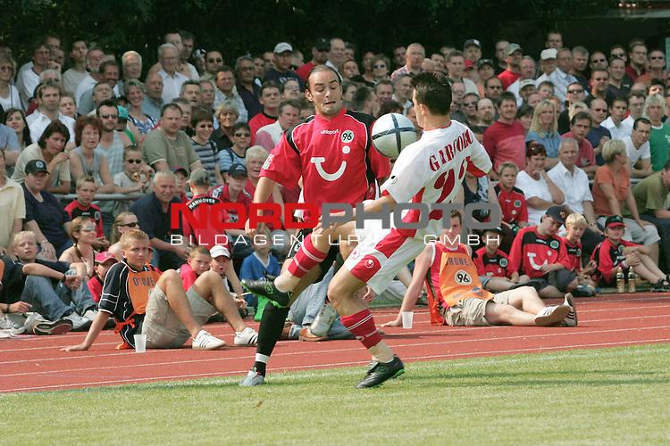 BL 2004/2005 -  Freundschaftsspiel<br /> <br /> Hannover 96- CSKA Sofia<br /> <br /> Ricardo Sousa von Han96 gegen Emil Gargorov.<br /> <br /> Foto &not;&copy; nordphoto <br /> <br />  *** Local Caption *** Foto ist honorarpflichtig! zzgl. gesetzl. MwSt.<br />  Belegexemplar erforderlich<br /> Adresse: nordphoto<br /> Georg-Reinke-Strasse 1<br /> 49377 Vechta