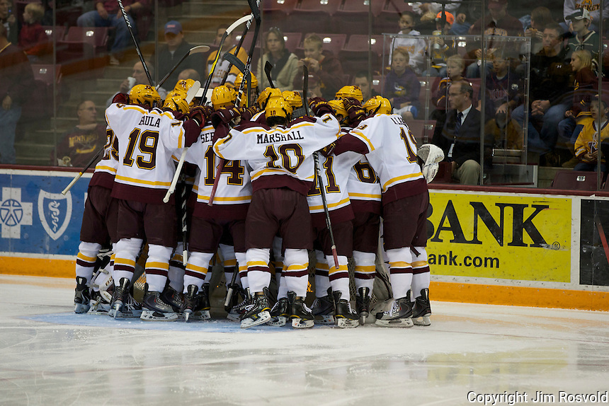 21 Oct 11: Minnesota Huddle. The University of Minnesota Golden Gophers host the University of Vermont Catamounts in a non-conference matchup at Mariucci Arena in Minneapolis, MN.