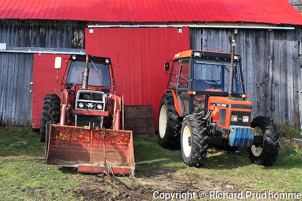 classic farm tractors,  Zetor 4 wheel drive 7345,  and a Massey Ferguson 265
