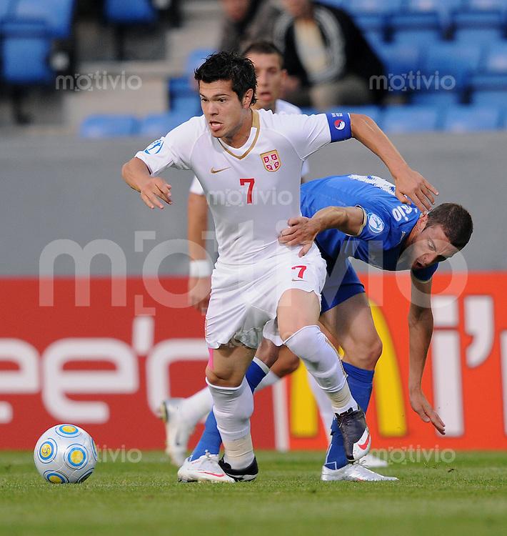 Fussball  International U 21 Europameisterschaft 2009 Italien - Serbien Milan Smiljanic (li, SRB) gegen  Claudio Marchisio (ITA)
