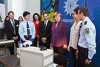 Berlin, Bundeskanzlerin Angela Merkel (CDU) am Mittwoch (24.04.13) in Bundeskanzleramt in Berlin anlaesslich Girls Day (Maedchen-Zukunftstag).