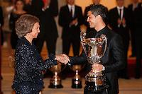 MADRI, ESPANHA, 05 DEZEMBRO 2012 - PREMIACAO MELHORES DO ESPORTE ESPANHOL - A rainha Sophia e o jogador Portugues do Real Madrid Cristiano Ronaldo durante cerimonia de entrega do Premio Melhores do Esporte Espanhol, no Palacio El Pardo em Madri, capital da Espanha, nesta quarta-feira, 19. (FOTO: ALEX CID FUENTES / ALFAQUI / BRAZIL PHOTO PRESS).