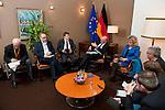 Bruessel - Belgien, 20. Januar 2014; <br /> MdB Prof. Dr. Norbert LAMMERT (mi), Praesident des Deutschen Bundestages, nimmt im Rahmen einer Bundestagsdelegation teil an der Interparlamentarischen Konferenz zur wirtschaftlichen Steuerung der EU (siehe Artikel 13 des EU-Fiskalvertrags); hier im Anschluss bei einem Pressegespraech in einem Protokollraum des Europaeischen Parlaments; <br /> Photo: &copy; Horst Wagner / DBT; <br /> Tel.: +49 179 5903216; <br /> horst.wagner@skynet.be