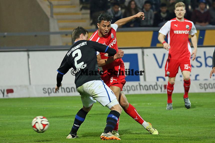 Aziz Bouhaddouz (SVS) trifft gegen Hanno Balitsch (FSV) seinen langjährigen Ex-Verein zum 0:1 - FSV Frankfurt vs. 1. FC Kaiserslautern, Frankfurter Volksbank Stadion