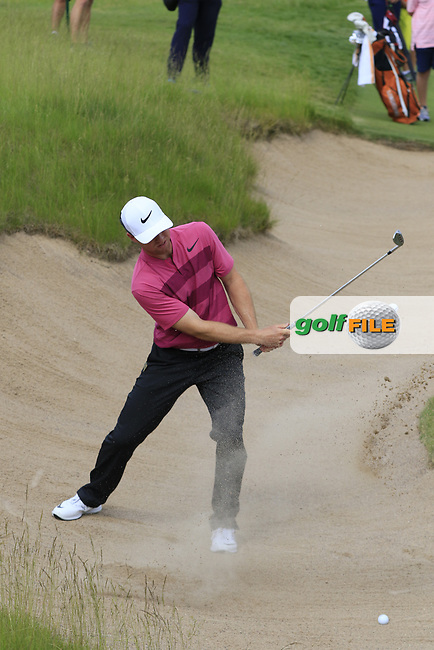 Max Greyserman (USA) chips from a bunker at the 16th green during Wednesday's Practice Day of the 117th U.S. Open Championship 2017 held at Erin Hills, Erin, Wisconsin, USA. 14th June 2017.<br /> Picture: Eoin Clarke | Golffile<br /> <br /> <br /> All photos usage must carry mandatory copyright credit (&copy; Golffile | Eoin Clarke)