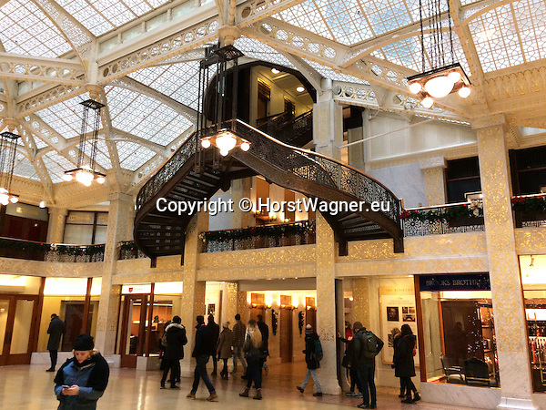 Chicago, Illinois, United States of America / USA; December 28, 2016 -- Inside The Rookery Building, lobby remodelled and designed by Frank Lloyd Wright -- Photo: © HorstWagner.eu
