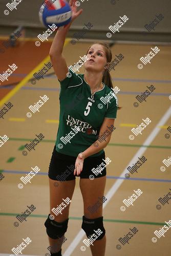 2009-09-06 / Volleybal / seizoen 2009-2010 / Dames Mendo Booischot / Dorien Roofthooft..Foto: Maarten Straetemans (SMB)