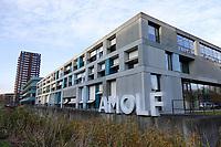 Nederland - Amsterdam - 2019. Science Park UvA Amsterdam. Exterieur van AMOLF. Het FOM-instituut AMOLF is een van de onderzoeksinstituten van de Stichting voor Fundamenteel Onderzoek der Materie ( FOM ), en maakt deel uit van de Nederlandse Organisatie voor Wetenschappelijk Onderzoek ( NWO ). AMOLF verricht fundamenteel onderzoek, voor technologische innovaties, op het gebied van Nanofotonica, Moleculaire Biofysica, Systeem Biofysica en Photovoltaics. Foto Berlinda van Dam / Hollandse Hoogte