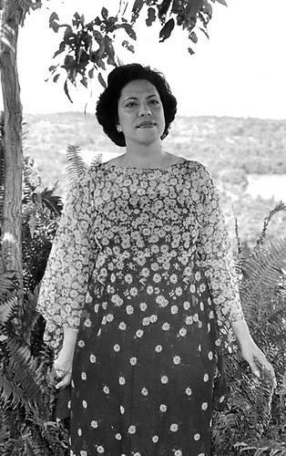 Maricusa Ornes cuando grabó Presencia y Voz. Jardin Botánico, Santo Domingo, 1979.